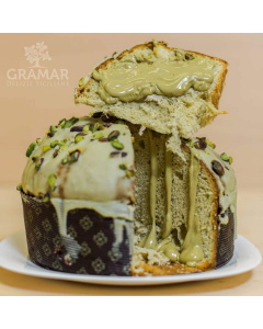 Panettone al pistacchio oro verde di Bronte prodotto da Gramar con pistacchio di Bronte per Natale